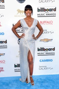 elle-2013-billboard-music-awards-red-carpet-kelly-rowland-mdn
